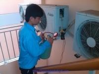 Nguyên nhân và cách khắc phục máy lạnh chạy kêu to